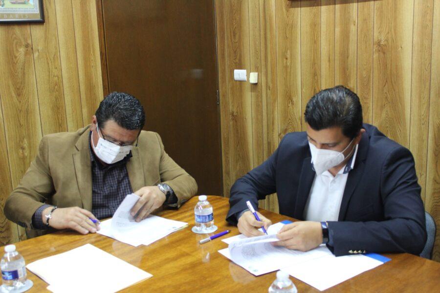 Becas para jóvenes de Yecuatla, acuerdan Universidad IVES y Ayuntamiento